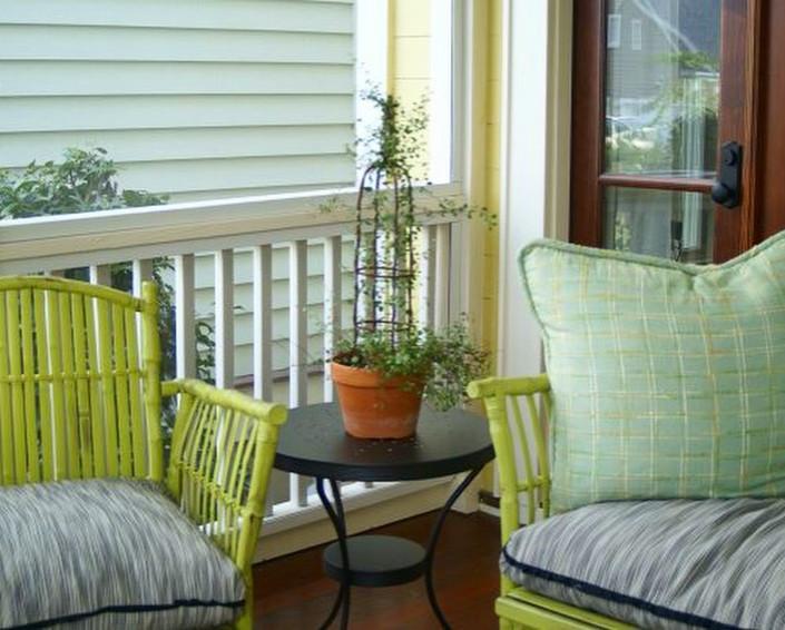 Sundayzzz, squishy pillows & a goodbook kind of porch!