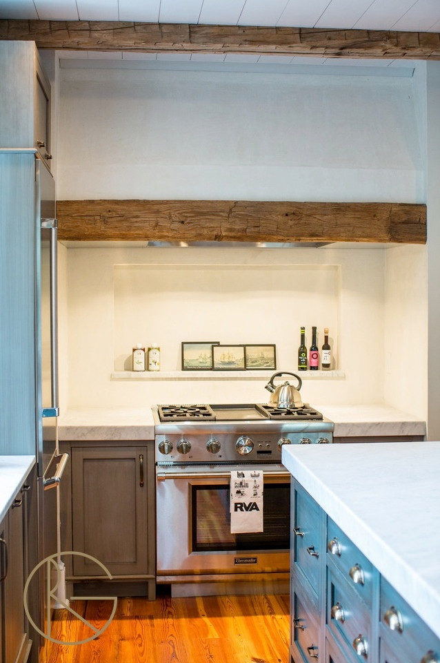 A Bachelor Pad Kitchen can Rock it in the Historic District Too!