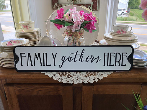 Family gathers here sign