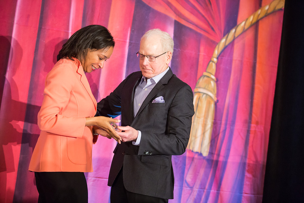 Leslie Johnson Accepting 2017 League Award