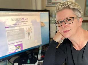 Tanja Haberkorn Schreibtisch.jpg