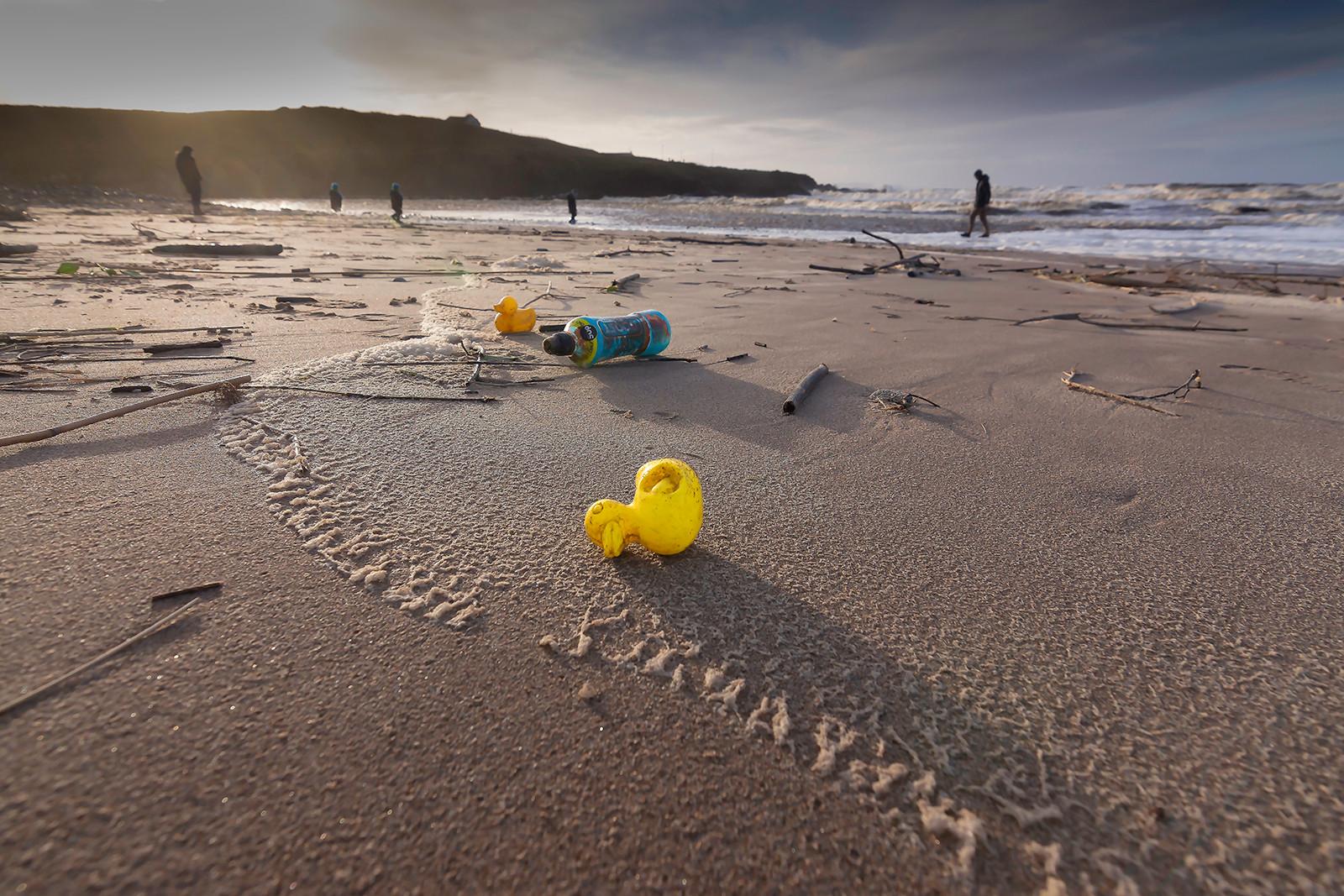 COLOUR - Plastic Port by Jennifer James (11 marks)