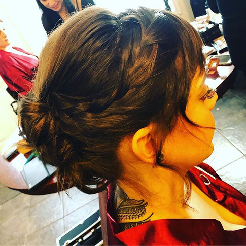 Updo hairstyle for this beautiful brides