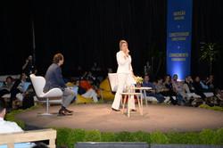 Roberta apresentando Palestra Forum Mundial da AGua
