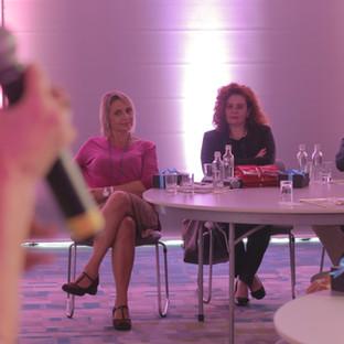 Mulheres do segmento MICE reunidas no dia 08 de março