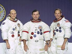 Apollo_16_crew.jpg