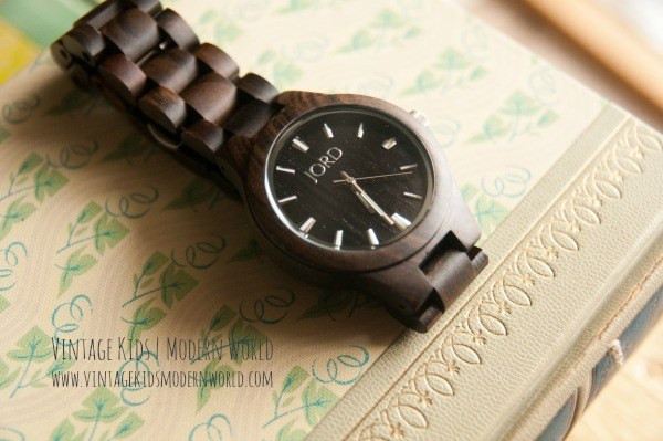 Jord Wooden Watches :: A Review and Giveaway - Vintage Kids | Modern World ......Wooden watches for father's day, grads or groomsmen - unique  idea with sustainable materials