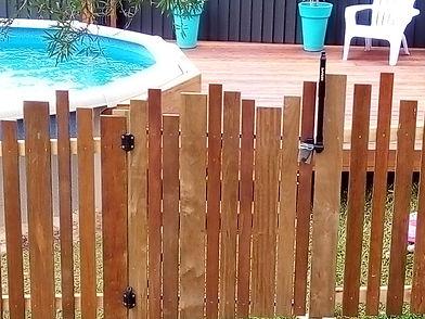 Ashmore pool fence (3).JPG