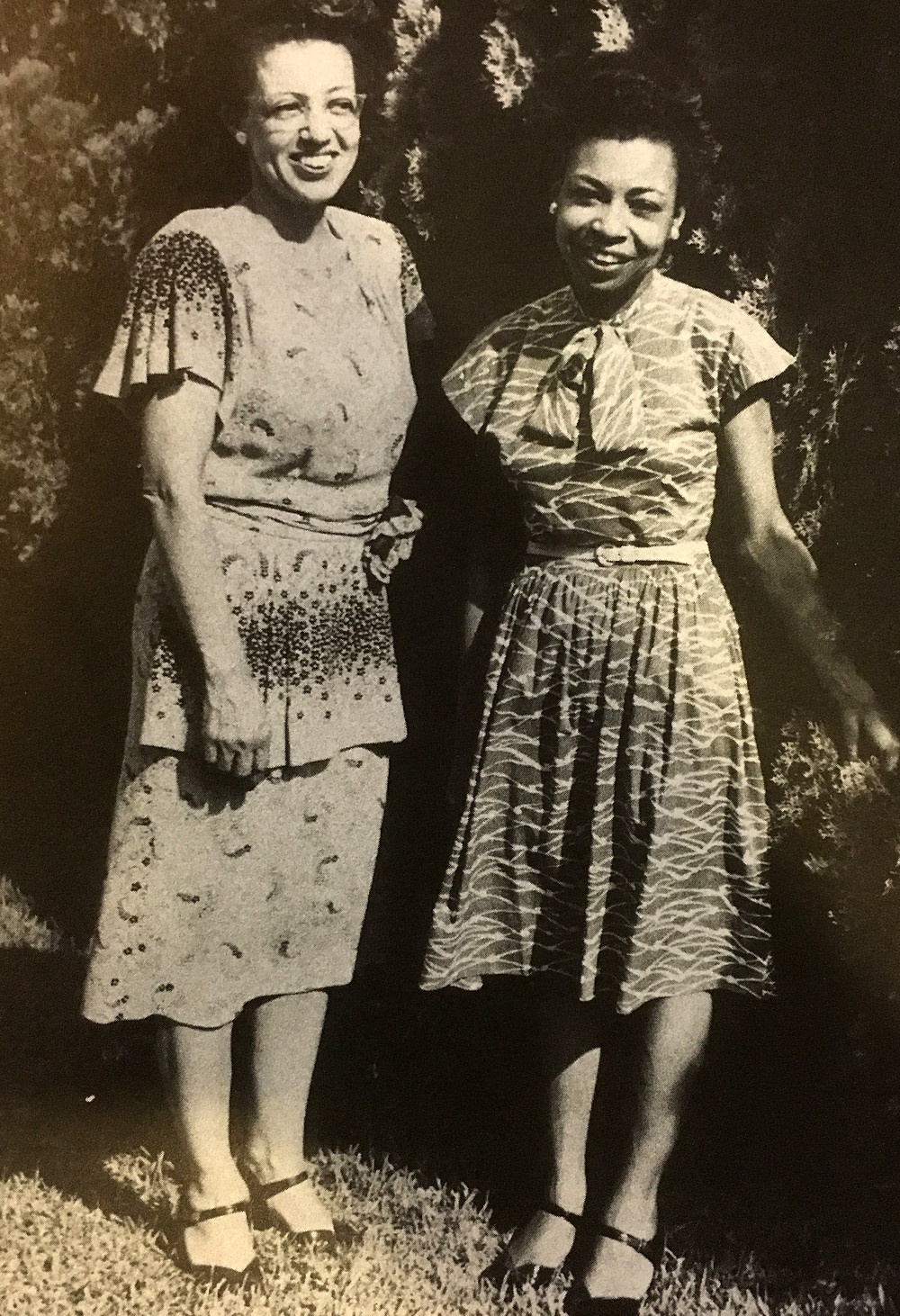 Helen Hope Houston (right) with Constance Houston Thompson (left)