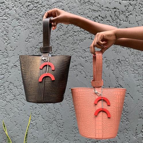 Yasmine bucket bag 2
