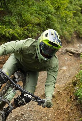 leatt_dbx_2021_helmet-dh.jpg