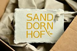 IOAN Markenentwicklung Sanddornhof Schil