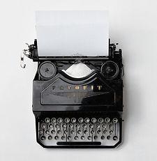 typewriter-498204_1920_edited.jpg