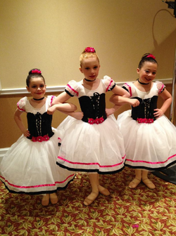Ballet Trio at On The Floor
