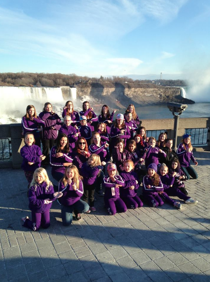 Team Photo in Niagara Falls!