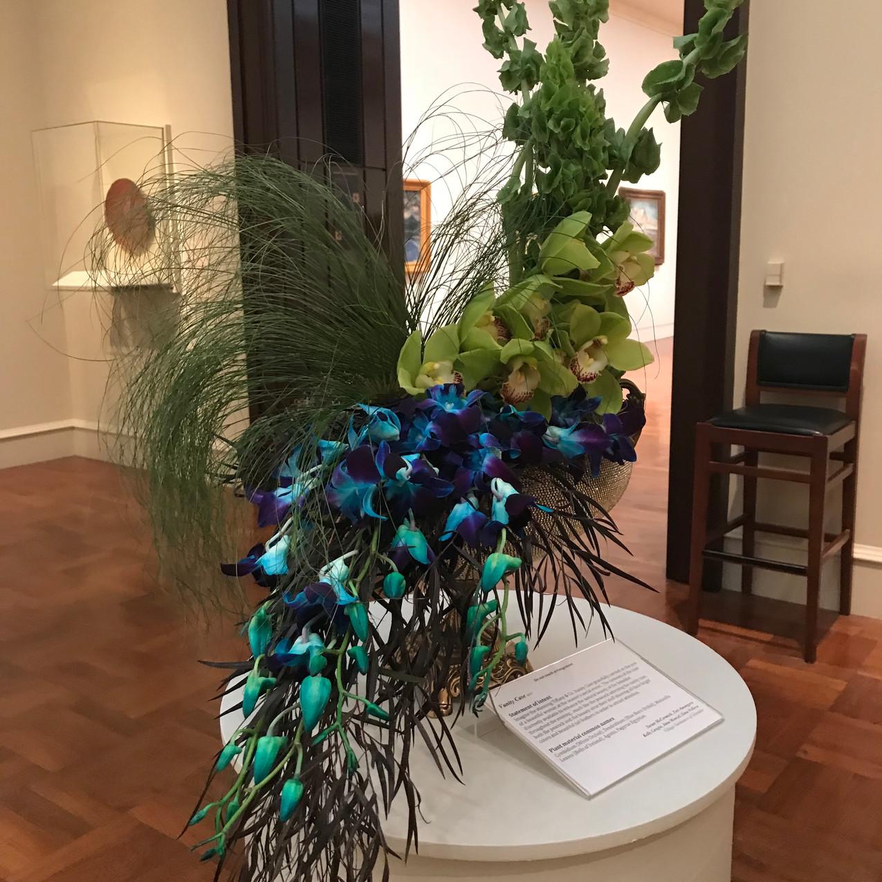 Vanity Case Arrangement (Peacock)