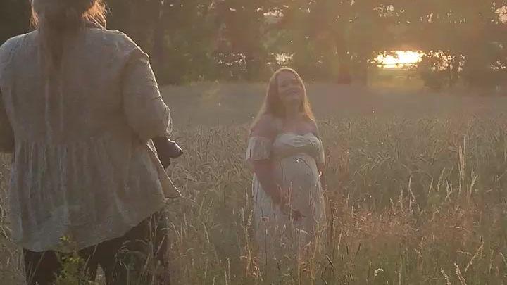 Behind the scenes på en gravidfotografering i Skåne, Hässleholm