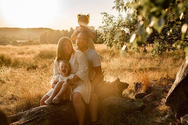 Lovestoriesbysara_familjefotografering_hässleholm.jpg