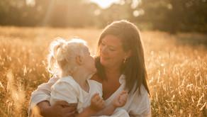 Magisk familjefotografering i sommarvärmen