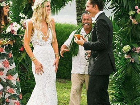 10 Bohemian Beach Wedding Dresses