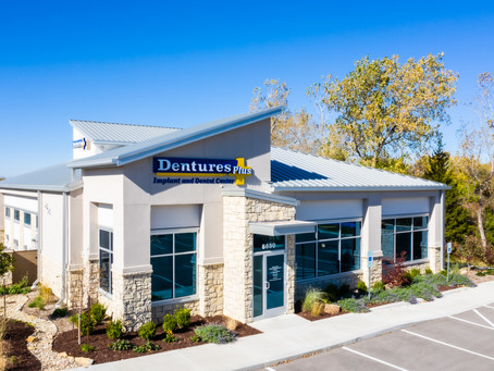 Dentures Plus Lenexa: Technical Excellence Combined with Gentle Care and the Small-Town Touch