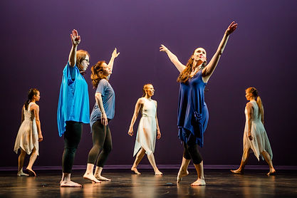 contemporary dancers on stage
