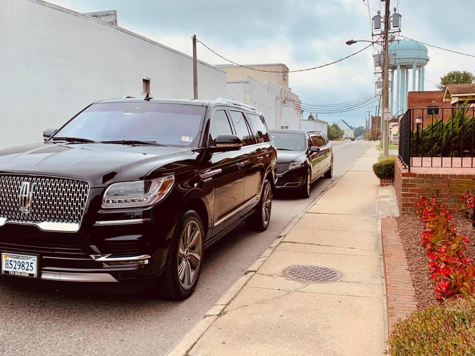 Lincoln Navigator & Lincoln MKT Stretch Limo