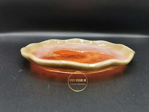 Resin bowl gold and red