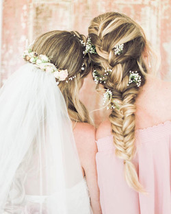 hair with florals