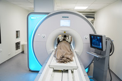 Protocol tests inside the MRI lab of STIMULATE