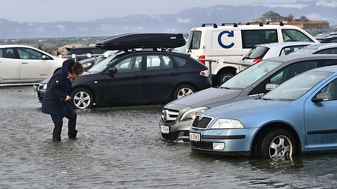 Oversvømmet parkeringsplass
