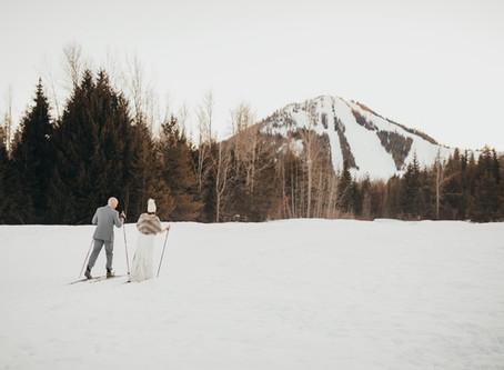 T+R - Wintery Apre Ski Wedding Day in Rossland, BC.