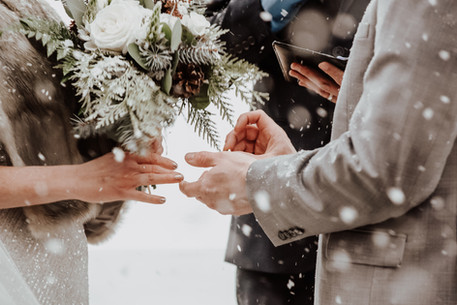Winter Ceremony Ring Exchange in Rossland BC