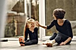 mother-and-daughter-bonding-3985253.jpg