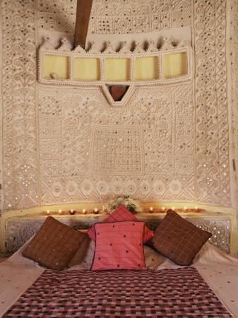 bhunga mud hut decorated india.jpg