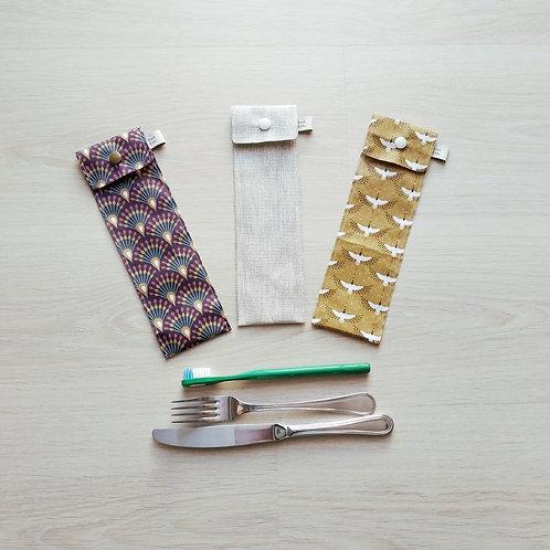 Pochette pour brosse à dent ou couverts