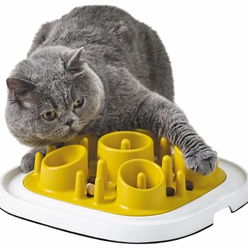 משטח האכלה ו/או משחק לחתולים וכלבים