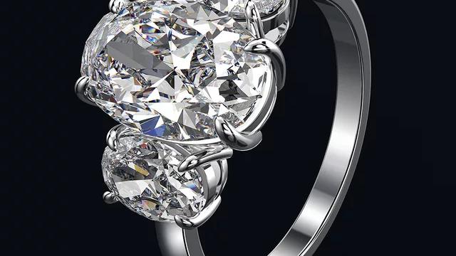 Triple oval luxury ring