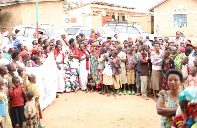BurundiWomenCoffeeFarmers2019.JPG