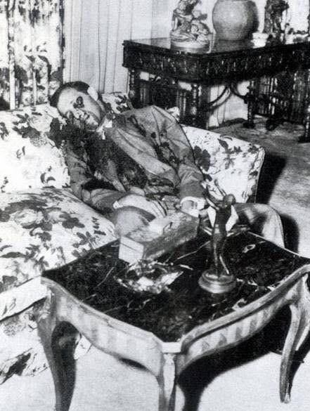Bugsy Siegel lies dead