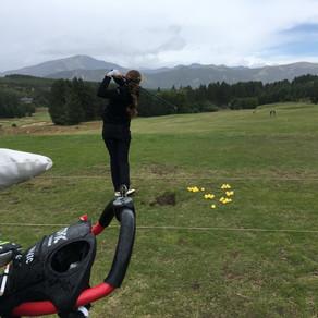 En Chapelco GC,San Martín de los Andes,Argentina entrenando a Maria Cabanillas con su Coach Christia
