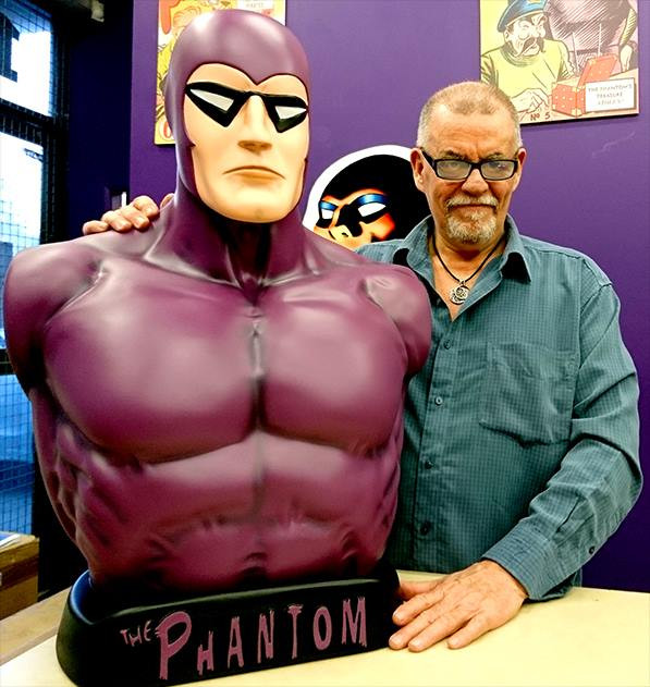 Glenn Ford introduces his Phanfare Phantom bust