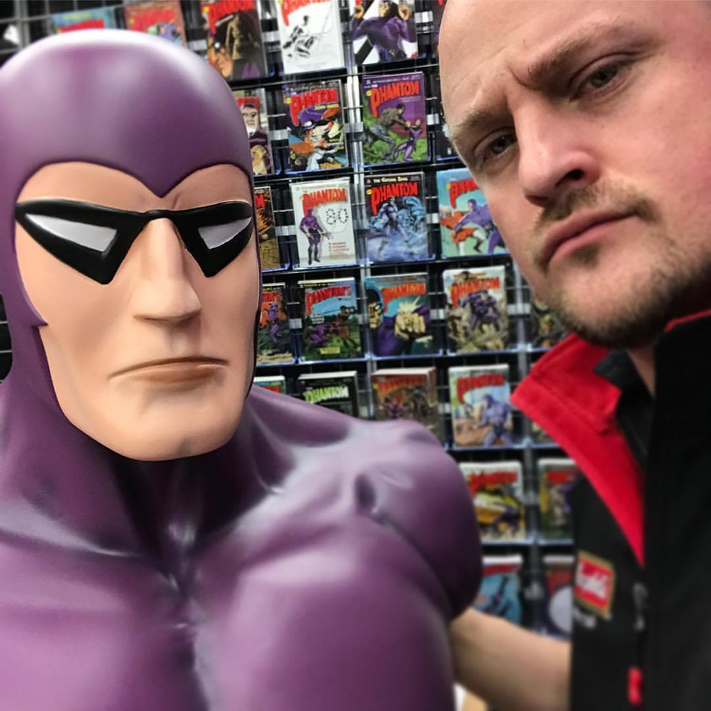 Frew Cover artist Jamie Johnson meets the Phanfare Phantom bust