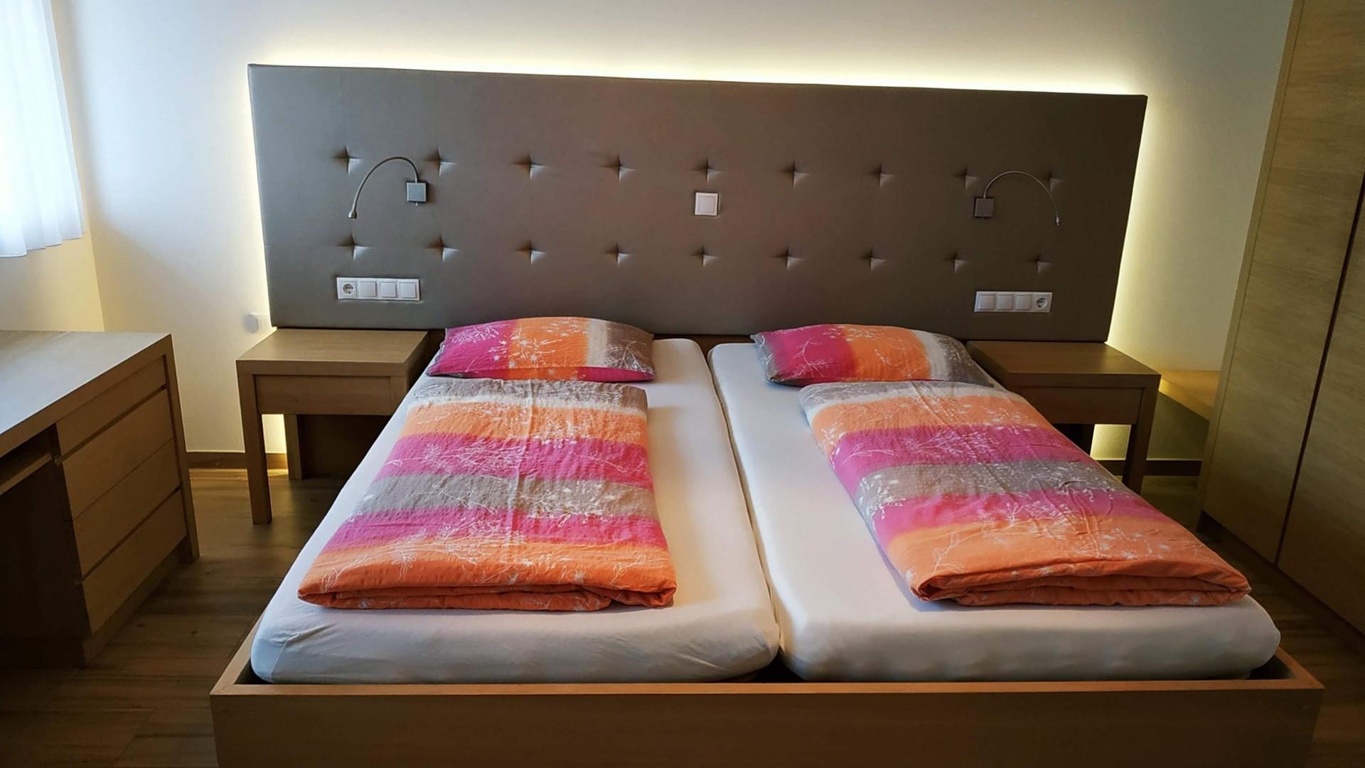 Schlafzimmer Burgund