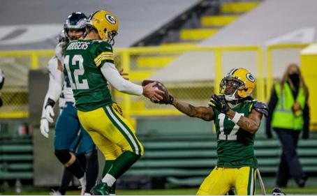 """Eagles 16x30 Packers: Ataque de recordes, defesa de sustos e """"modo MVP"""" de Rodgers"""