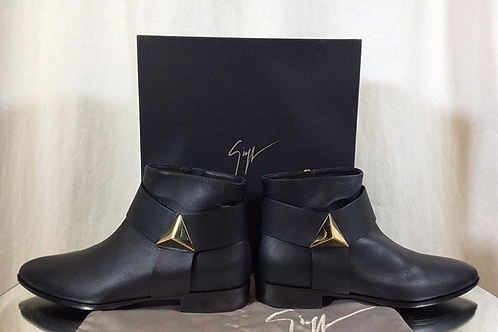 Giuseppe Zannotti Leather Pyramid Flat Black Bootie