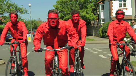 The Good Gods - Bright Red Backs