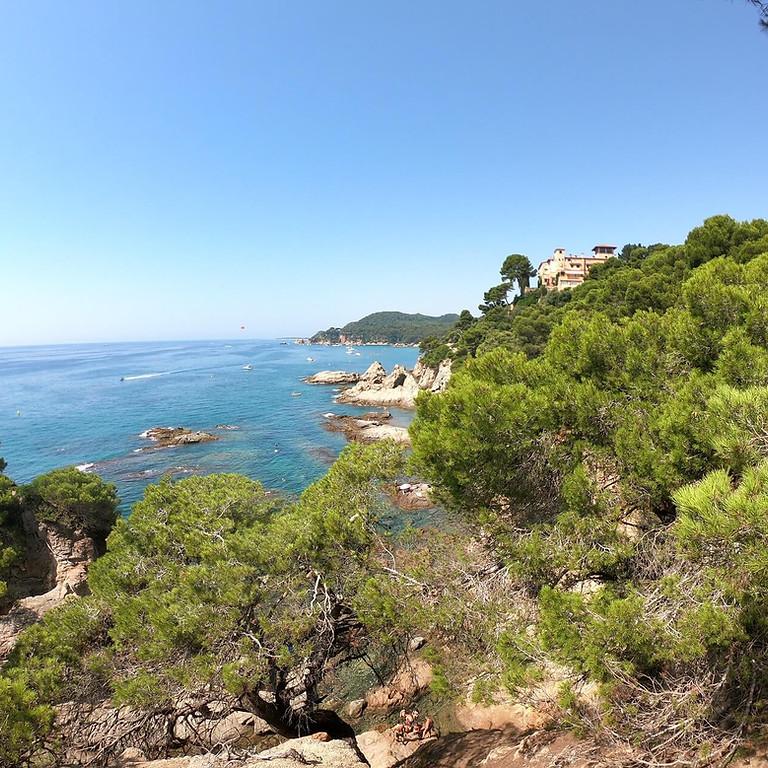 Weekend hiking at Costa Brava - Sea & Mountains