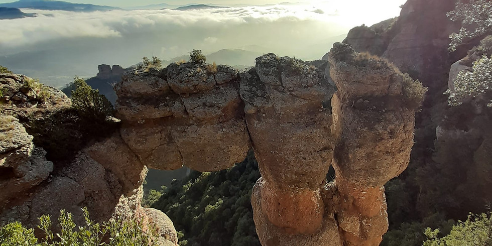 The secrets of La Mola - caves and legends - Hiking