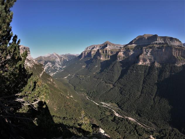 Valle de Ordesa y monte perdido 4 days